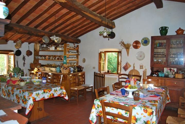 Toscana Mia kitchen